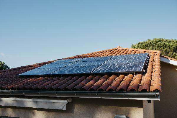 panneau solaire sur toiture-600