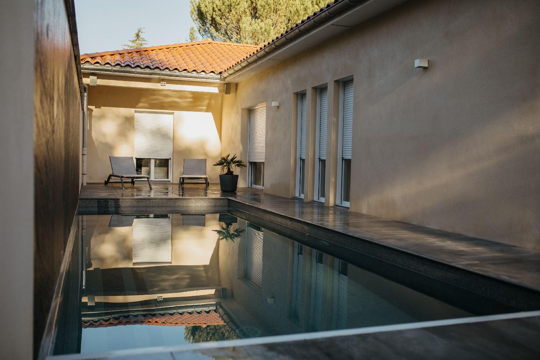 piscine eclairage sonorisation controlee par domotique